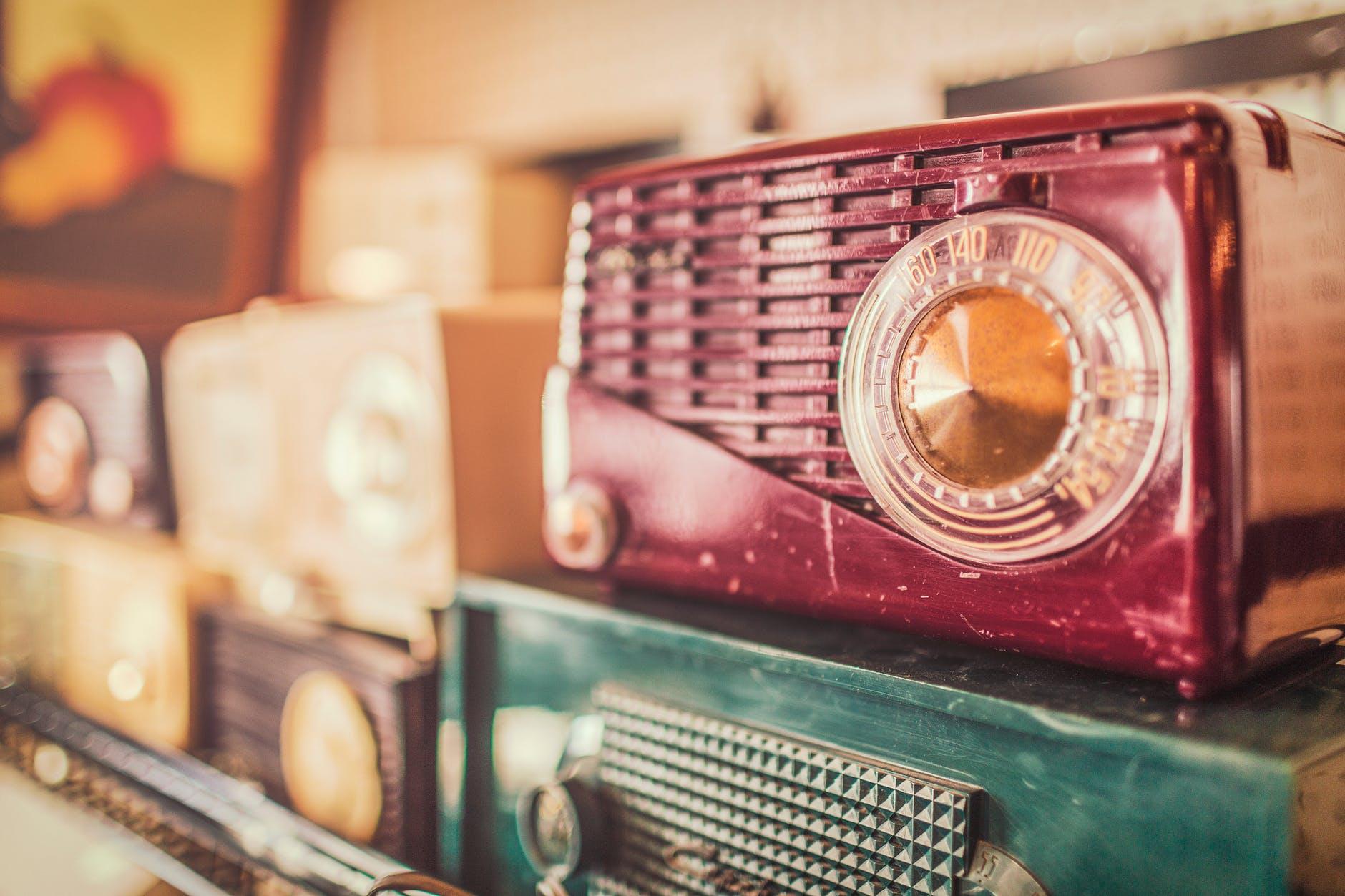 vintage-radios.jpg